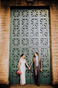 wedding couple at palace of fine arts in san francisco